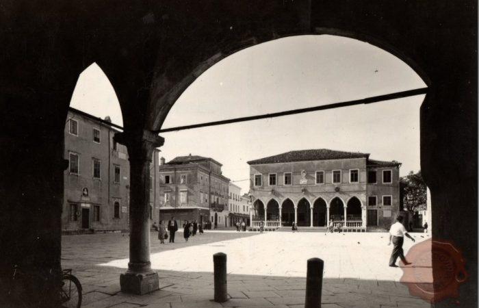 Titov trg, Koper