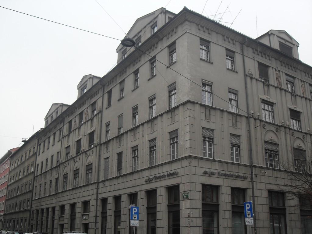 Ljubljanski_dvor_Costaperaria_osmanagić