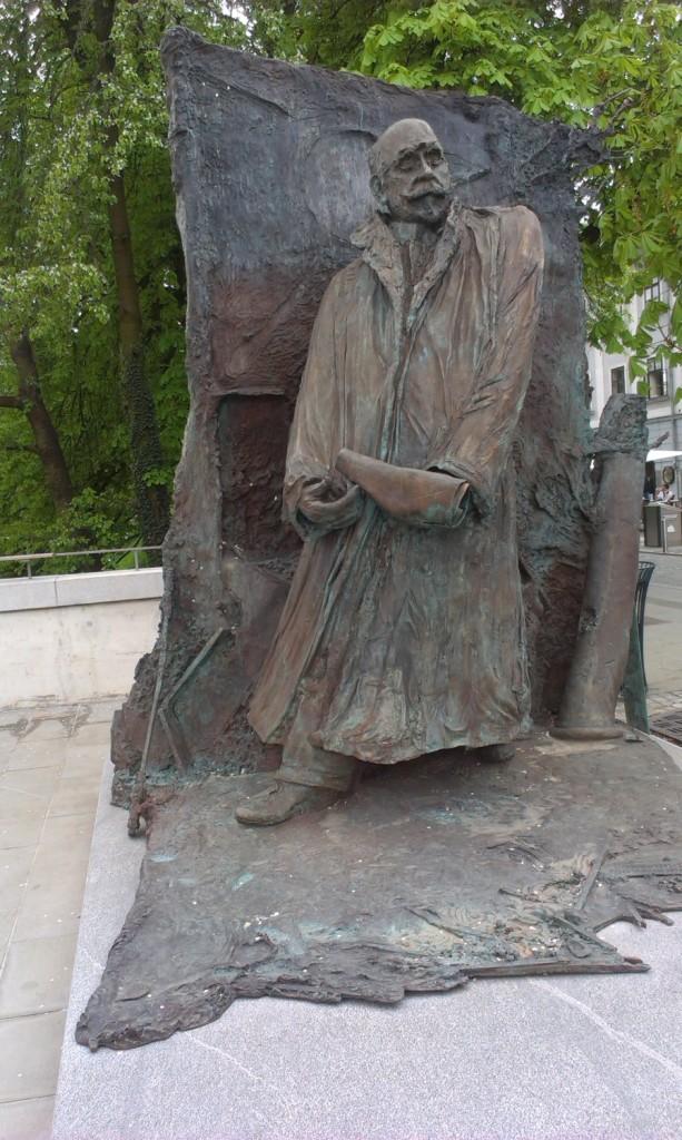 spomenik_ivan_hribar_mirsad_begić