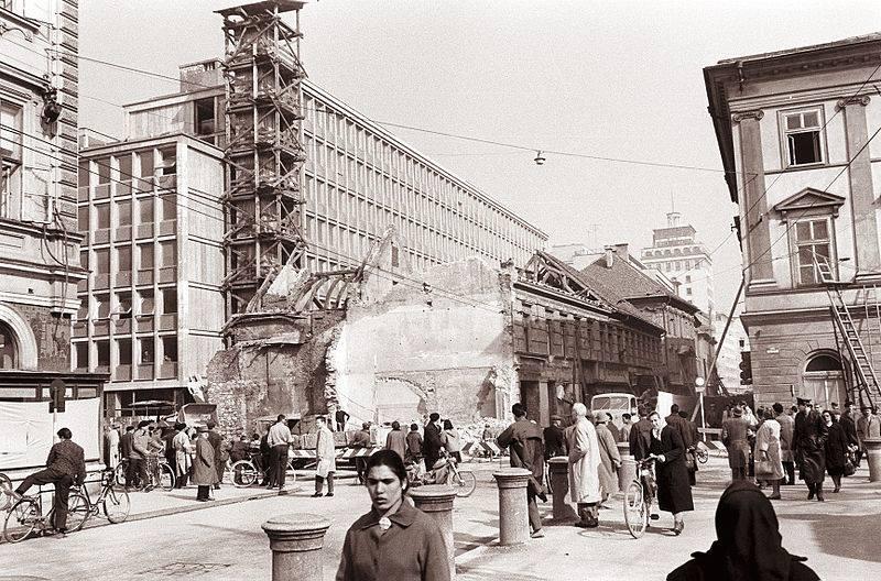 narodna_kavarna_rušenje_narodna_čitalnica_titova_slovenska_cesta_kazina_Ljubljana_1961