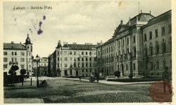 Sodnijski trg in Sodna palača