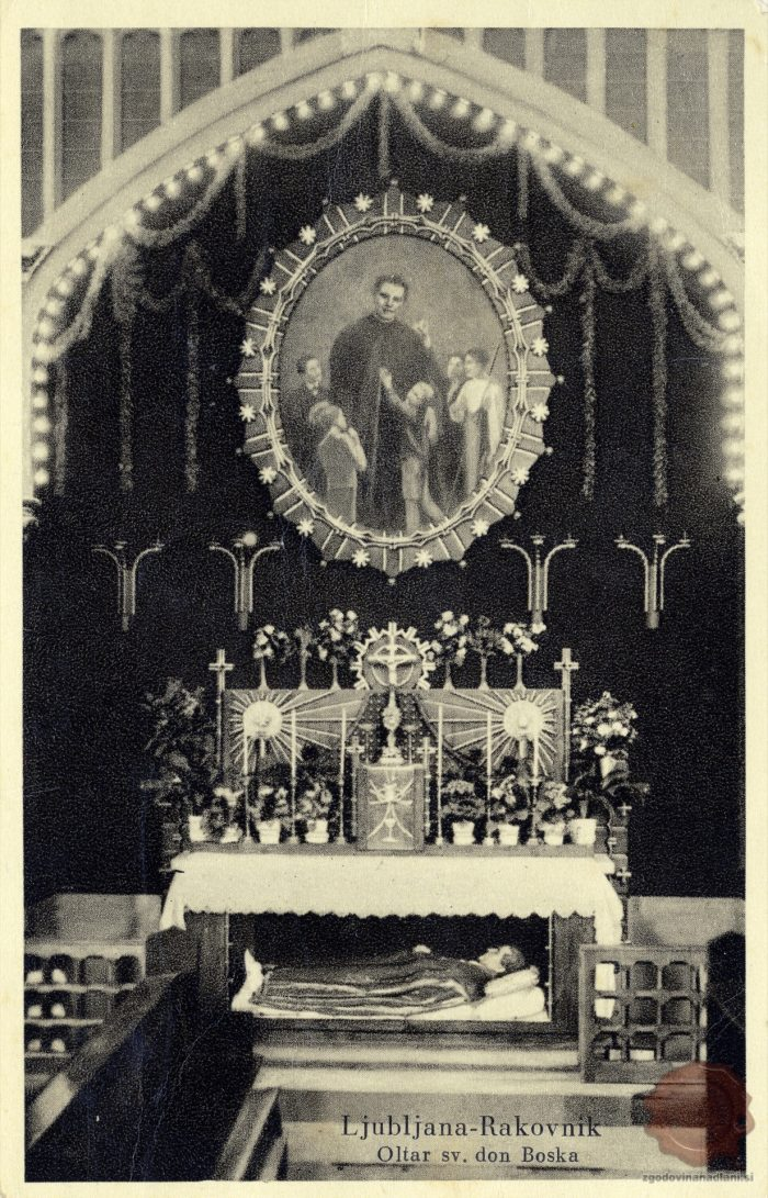 Oltar v cerkvi Don Boska