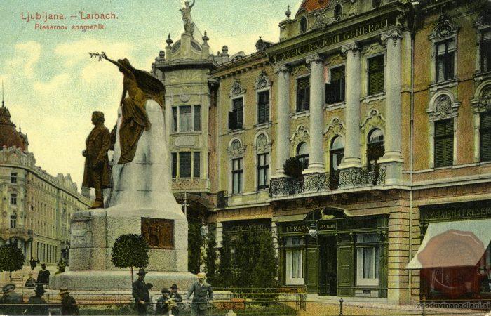 Prešernov trg s spomenikom in kavarno