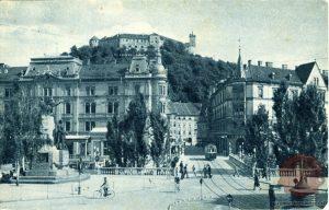 Tromostovje kmalu po 2. svetovni vojni. Foto: razglednica Milene Žnideršič.