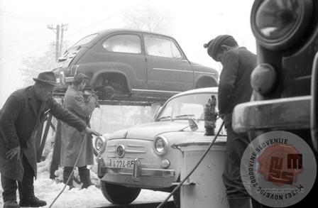 avtomobilska-pralnica-vinka-klencnika-ljubljana-1965-foto-marjan-ciglic-hrani-muzej-novejse-zgodovine-slovenije