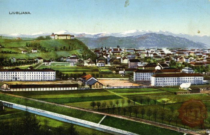 Goli grajski grič v smeri Poljan na razglednici iz začetka 20. stoletja. Vir: razglednica Milene Žnideršič.