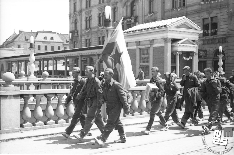 Prihod partizanov v Ljubljano, 9. maj 1945. Foto Vlado Vavpotič, hrani MNZS.