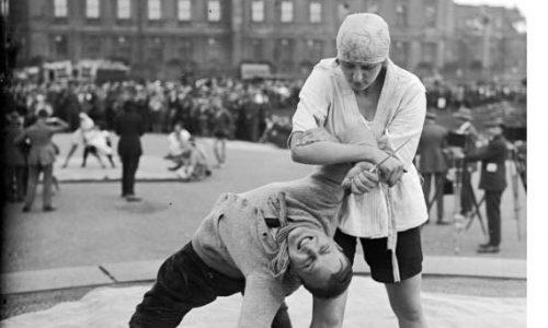 Prikaz ju-jitsuja v Berlinu leta 1924. Vir: Bundesarchiv, Bild 102-00504, Wikipedia.