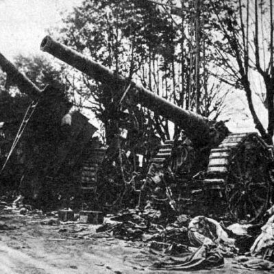 Zapuščeni italijanski topovi. Vir: Wikipedia.