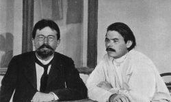 Gorki (levo) in Čehov (desno) na Jalti leta 1900 (FOTO: Wikipedia)