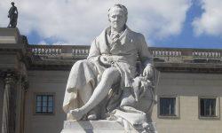Spomenik Alexandru von Humboldtu pred berlinsko univerzo, FOTO Danijel Osmanagić
