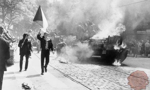 Intervencija Varšavskega pakta na Češkoslovaško. Foto: Wikipedia.