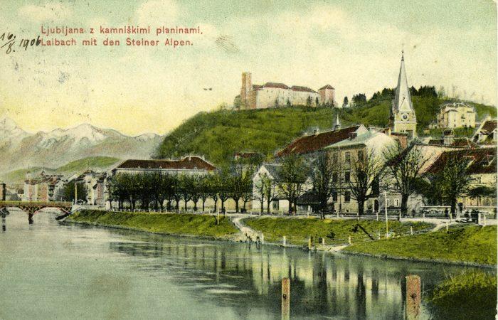 Šentjakobska cerkev in grad v jesenskih barvah