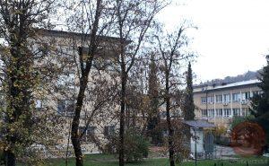 Bolnica Petra Držaja z zahodne strani. Foto: Aleš Šafarič.