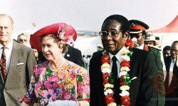 Mugabe z kraljico Elizabeto in princem Filipom (FOTO: http://www.thezimbabwenewslive.com)