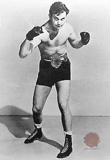 Dick Evans. Vir: https://234fight.com/boxers-from-the-past/dick-evans-boxer-wiki-profile/
