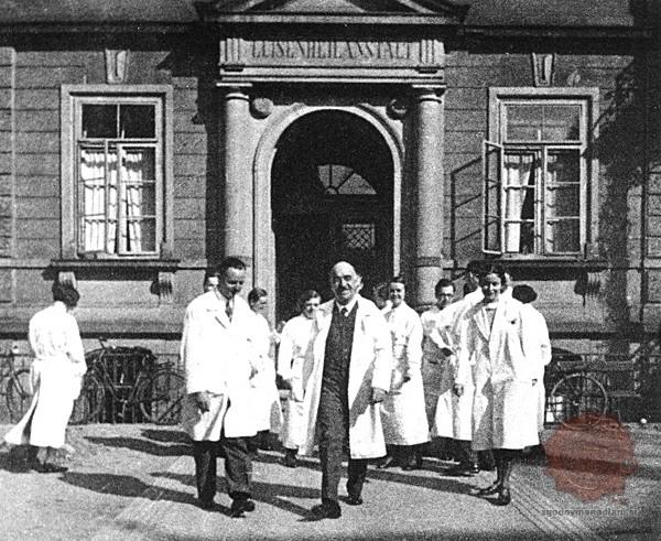 Ernst Moro na Univerzi v Heidelbergu. Foto uni-heidelberg.de