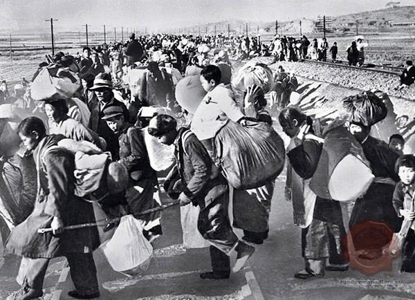 Beg Južnokorejcev leta 1950. Vir: wikipedia.